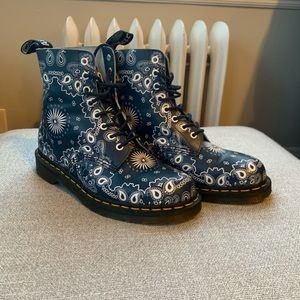 Like New Dr Martens Pascal Boots